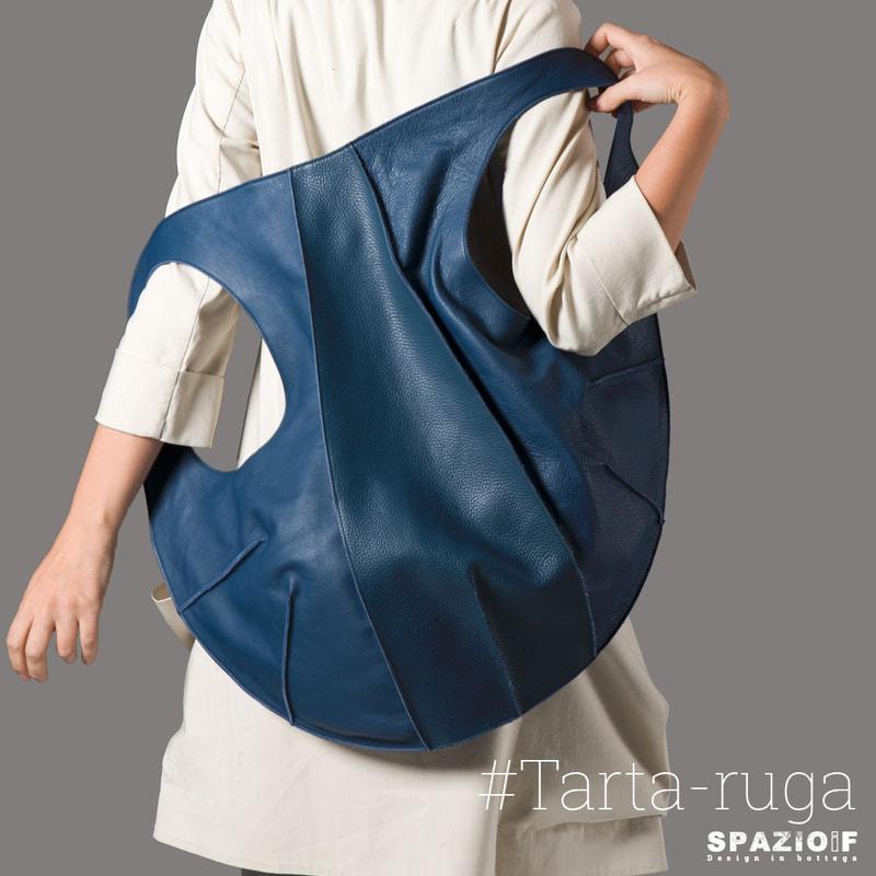 spazioif-design-in-bottega-tartaruga-blu-quadrato